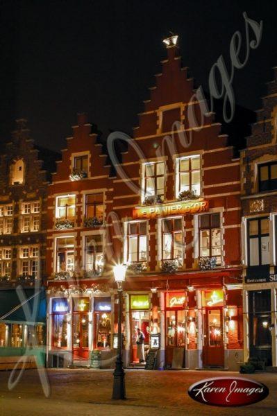 Image of Brugge central square